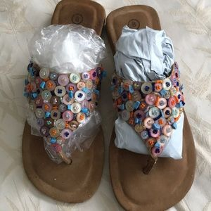 White Mountain Sandal Buttons & Beads 8